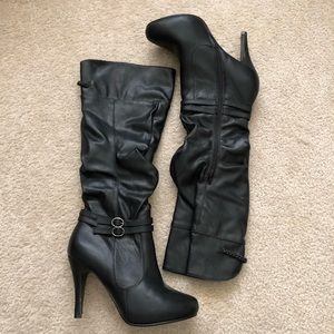 Knee-hi Heeled Boots